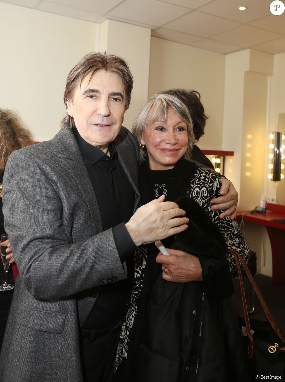 Serge Lama et sa femme Michèle - Après son second concert au Grand Rex, il a 3 dates, Serge Lama reçoit ses amis dans sa loge du Rex à Paris le 12 Octobre 2013