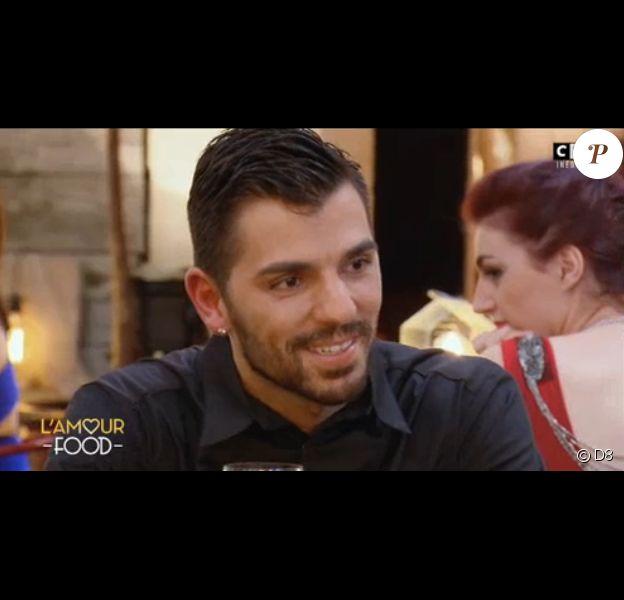 """Hugo, séducteur dans """"L'Amour Food"""" sur C8 le 5 décembre 2016."""