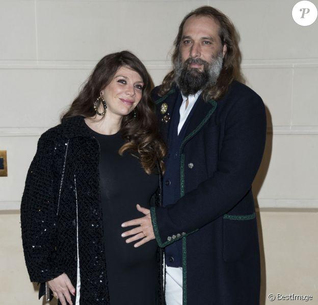 Sébastien Tellier et sa femme Amandine de la Richardière, enceinte - Défilé Chanel Métiers d'Art 2016-2017 au Ritz à Paris, le 6 décembre 2016. © Olivier Borde/Bestimage