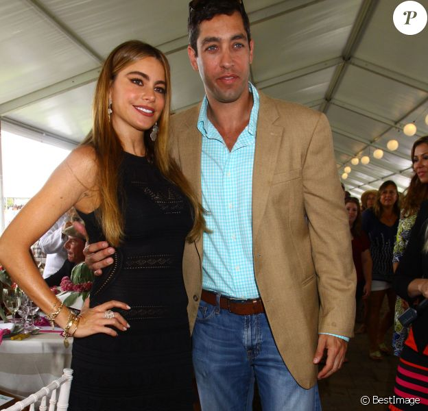 "Sofia Vergara et son fiancé Nick Loeb au ""Hampton Classic Horse Show"". Le 24 mai 2014"