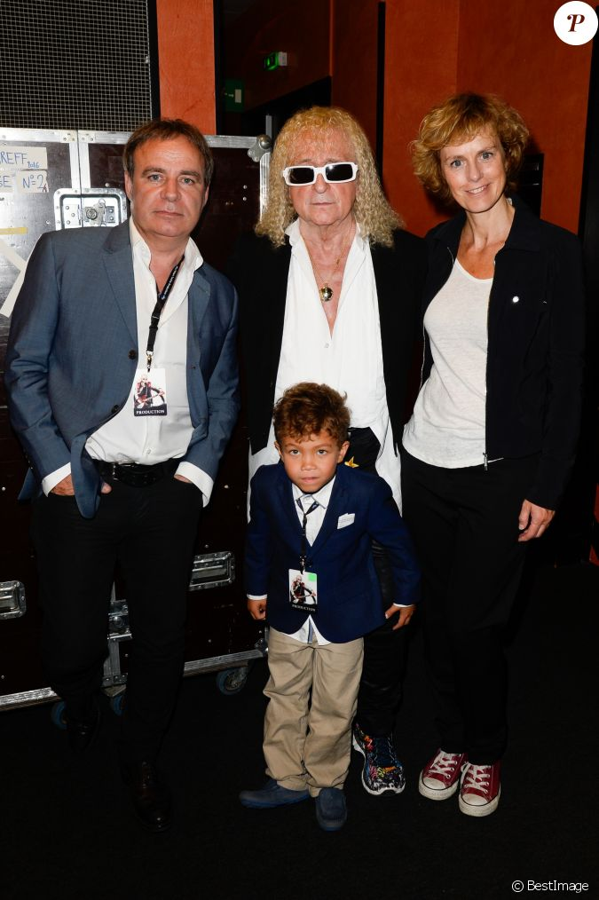 michel polnareff et son fils louka anne richard et son compagnon fabien lecoeuvre concert de. Black Bedroom Furniture Sets. Home Design Ideas