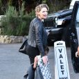 Katherine Heigl enceinte est allée diner pour Thanksgiving avec son mari Josh Kelley et ses filles Nancy et Adalaide à Malibu, le 24 novembre 2016