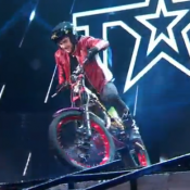 Incroyable Talent 2016 : Lourde chute à moto de Kenny Thomas !