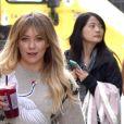 Hilary Duff fait du shopping dans les rues de West Hollywood, le 7 décembre 2016