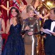 Sylvie Tellier, Iris Mittenaere (Miss France 2016), Arielle Dombasle et Jean-Pierre Foucault - Concours Miss France 2017. Sur TF1, le 17 décembre 2016.