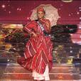 Alicia Aylies, alias Miss France 2017, lors du défilé en costume régional, le 17 décembre à l'Arena de Montpellier