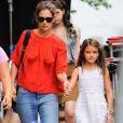 """Katie Holmes emmène sa fille Suri Cruise sur le tournage de son nouveau film """"All We Had"""" à New York, le 24 août 2015."""