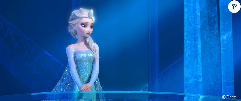 Elsa dans son ch teau de glace dans la reine des neiges for Chateau de glace reine des neiges