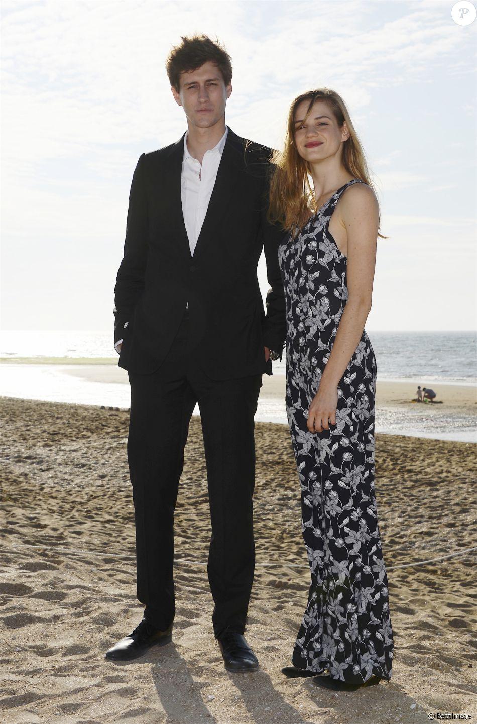 Jean baptiste maunier et no mie schmidt photocall sur la plage lors du 30 me festival du film - La boutique de noemie ...