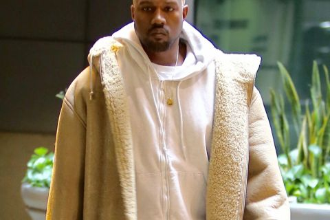 Kanye West : Nouvelle tête multicolore pour un ciné en solo
