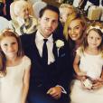 Tom Ackerley et sa fiancée Margot Robbie à un mariage (photo postée le 18 août 2016)