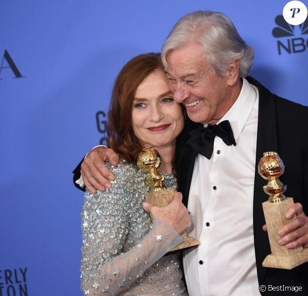 Isabelle Huppert et Paul Verhoeven - Press Room lors de la 74ème cérémonie annuelle des Golden Globe Awards à Beverly Hills, Los Angeles, Californie, Etats-Unis, le 8 janvier 2017.