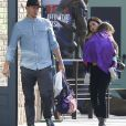Exclusif - Channing Tatum et sa femme Jenna Dewan se promènent avec leur fille Everly à Pasadena le 10 décembre 2016