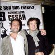 Gilles Lellouche et Guillaume Canet - Soirée aux Bains pour le film Ne le dis à personne en 2007 à Paris