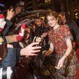 """Emma Stone - Arrivées - Avant-première du film """"La La Land"""" au cinéma UGC Normandie à Paris, le 10 janvier 2017."""