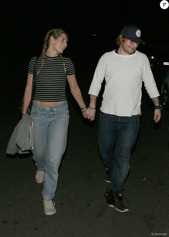 Exclusif - Ed Sheeran et sa petite amie Cherry Seaborn vont diner au nord de Sydney lors de leurs vacances en Australie le 29 mai 2016