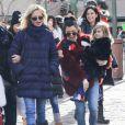 Exclusif - Kris Jenner avec son compagnon Corey Gamble et Kourtney Kardashian avec sa fille Penelope font du shopping en compagnie de Melanie Griffith à Aspen le 30 décembre 2016