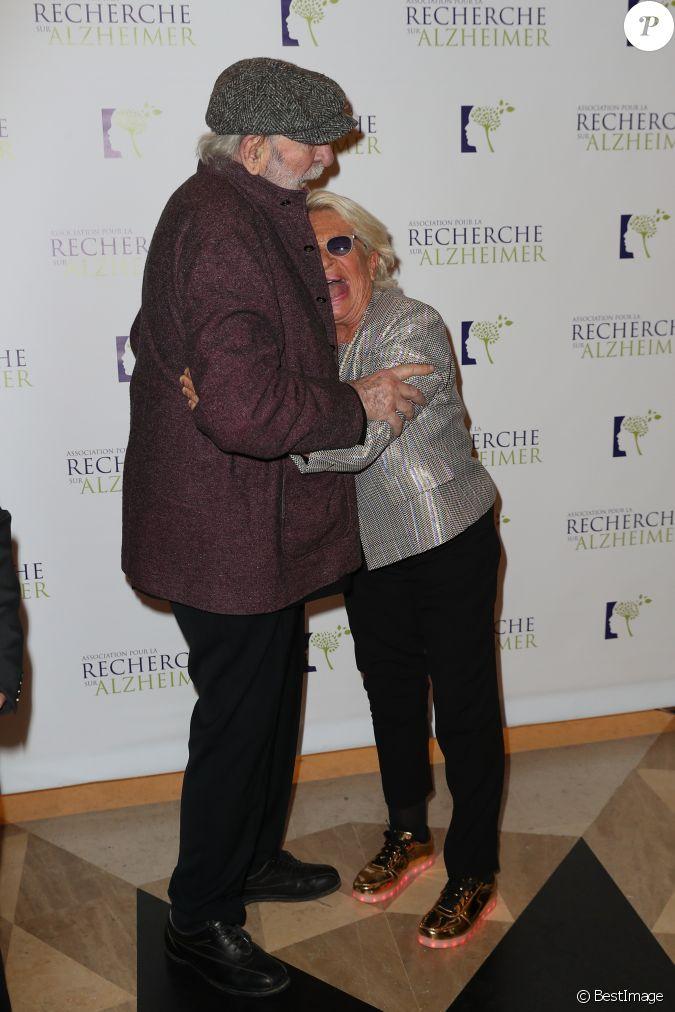 V ronique de vill le et jean pierre marielle lors du photocall du 12 me gala de l 39 association - Veronique de villele mari ...