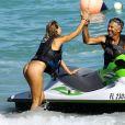 Selena Weber profite d'une belle journée ensoleillée sur la plage de Miami, le 25 janvier 2017 ©CPA/Bestimage