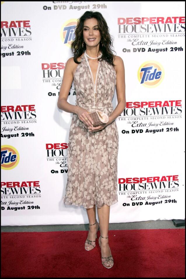 """Teri Hatcher - Soirée pour le lancement de la deuxième saison de """"Desperate Housewives"""" en DVD, Los Angeles, le 5 août 2006."""