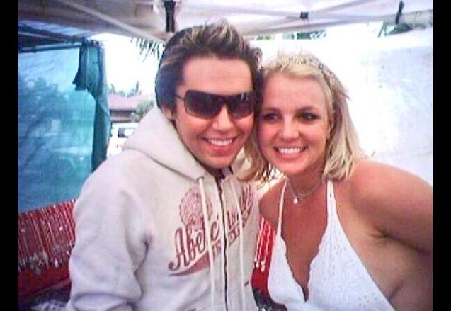 Bryan Ray, le fan de Britney Spears prêt à tout pour lui ressembler.