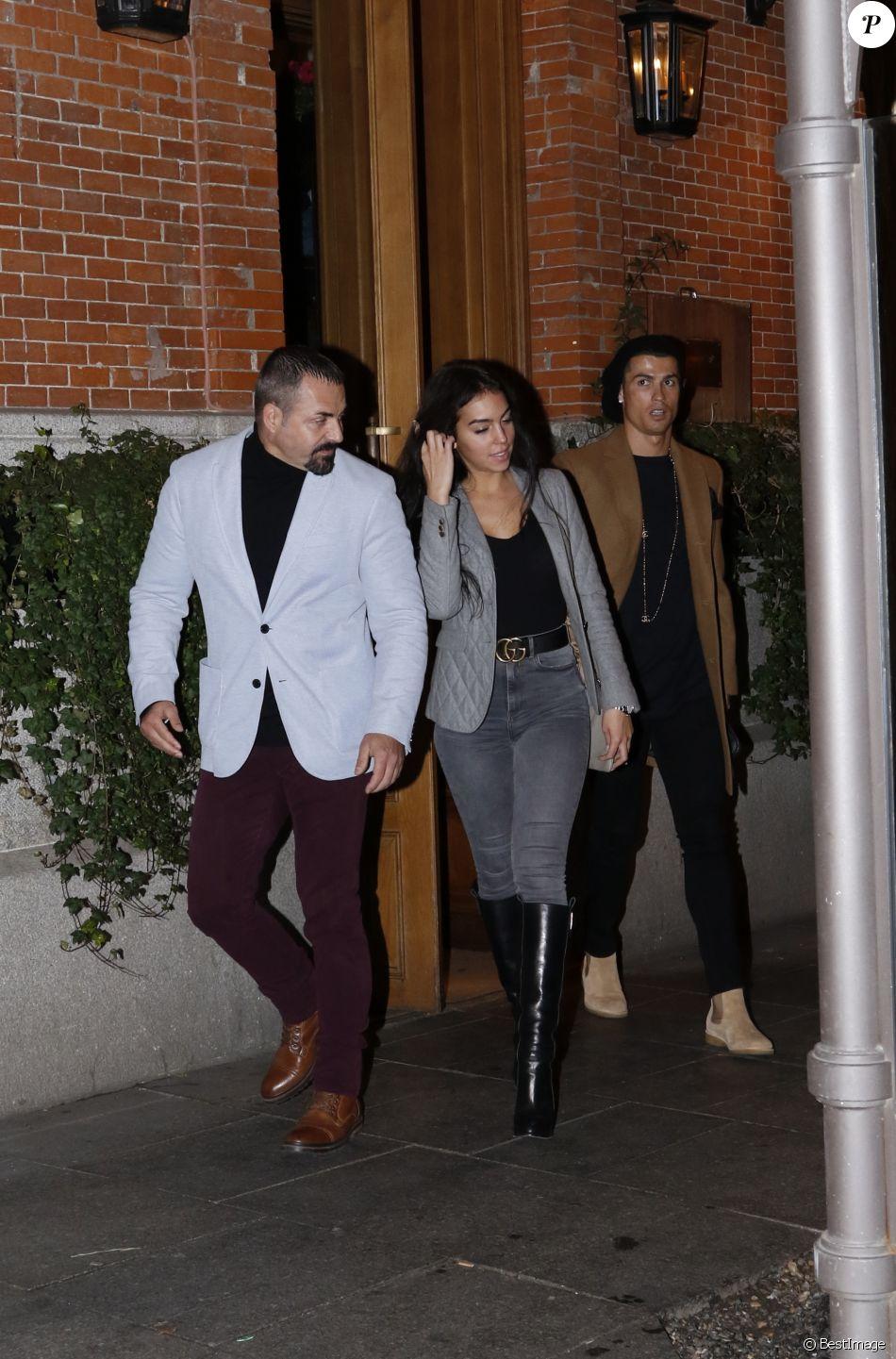 Cristiano Ronaldo a fêté le 23e anniversaire de sa compagne Georgina Rodriguez au restaurant El Paraguas à Madrid, le 30 janvier 2017.