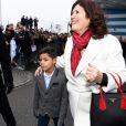 Maria Dolores dos Santos Aveiro, la mère de Cristiano Ronaldo, et Cristiano Jr, fils du joueur du Real Madrid, arrivant à Zurich pour la soirée de remise des FIFA Awards le 9 janvier 2017.