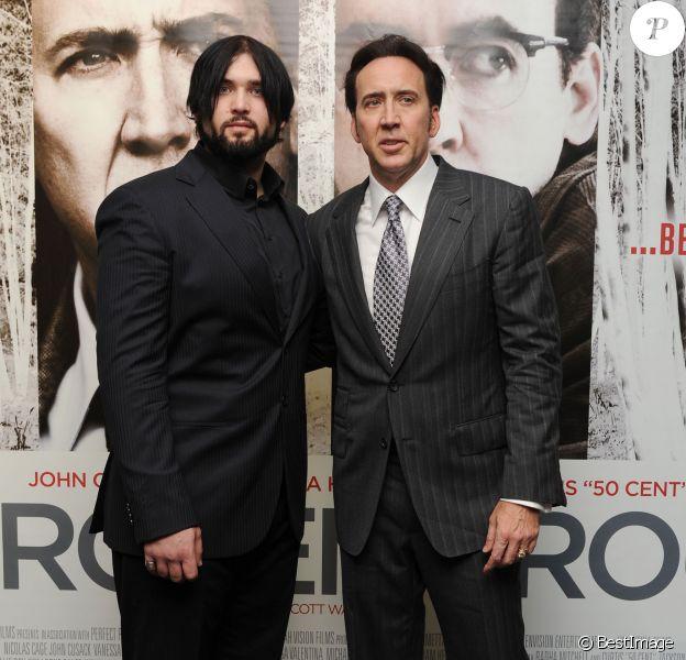 Nicolas Cage et son fils Weston Cage à Londres le 17 juillet 2013.