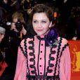"""Maggie Gyllenhaallors de la première du film """"Django"""" pendant l'ouverture du 67e Festival du Film International de Berlin, la Berlinale, le 9 février 2017."""