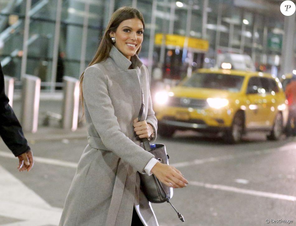 Exclusif - Miss Univers 2016 Iris Mittenaere arrive à l'aéroport JFK de New York City, New York, Etats-Unis, le 2 février 2017.