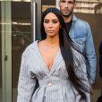 Kim Kardashian et son attaché de presse Simon Huck se baladent dans les rues de New York, le 14 février 2017