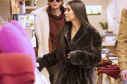 Kim Kardashian braquée : Son entourage félicite la police française