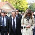 Nicolas Sarkozy et sa femme Carla Bruni votent pour les primaires de la droite et du centre à Paris dans le 16ème arrondissement le 20 novembre 2016. © Cyril Moreau / Bestimage