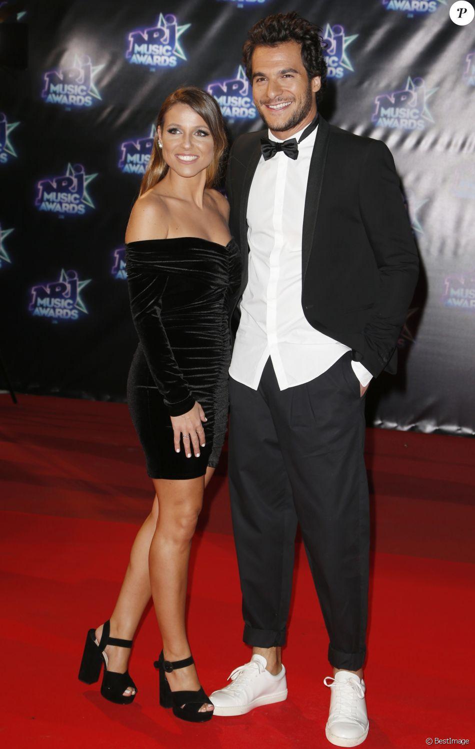 """Amir et sa femme Lital lors de la 18e cérémonie des """"NRJ Music Awards"""" au Palais des Festivals à Cannes, le 12 novembre 2016. © Christophe Aubert via Bestimage Celebrities"""