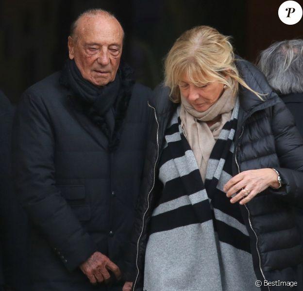 Exclusif - Jacques Séguéla et sa femme sophie - Sortie des obsèques d'Emmanuelle Khanh au cimetière du Père-Lachaise à Paris, le 23 février 2017.