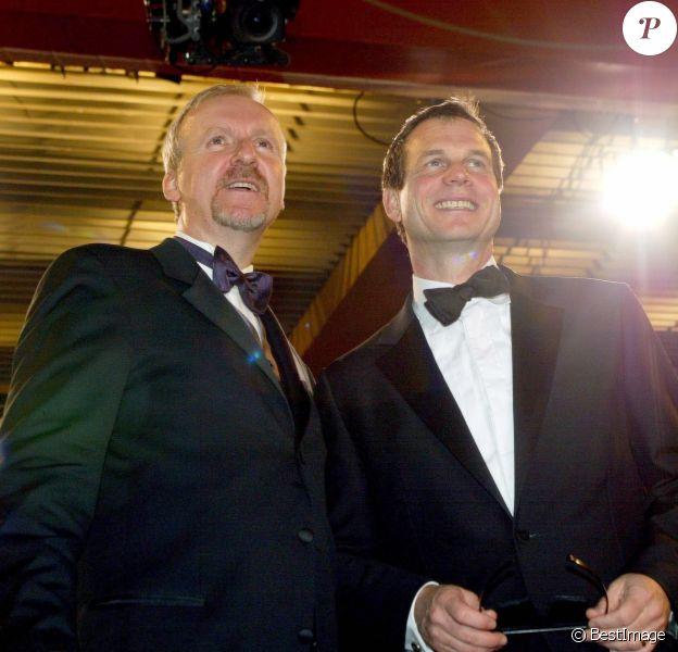 James Cameron et Bill Paxton au Festival de Cannes en 2003 pour la présentation de Ghost of Abyss