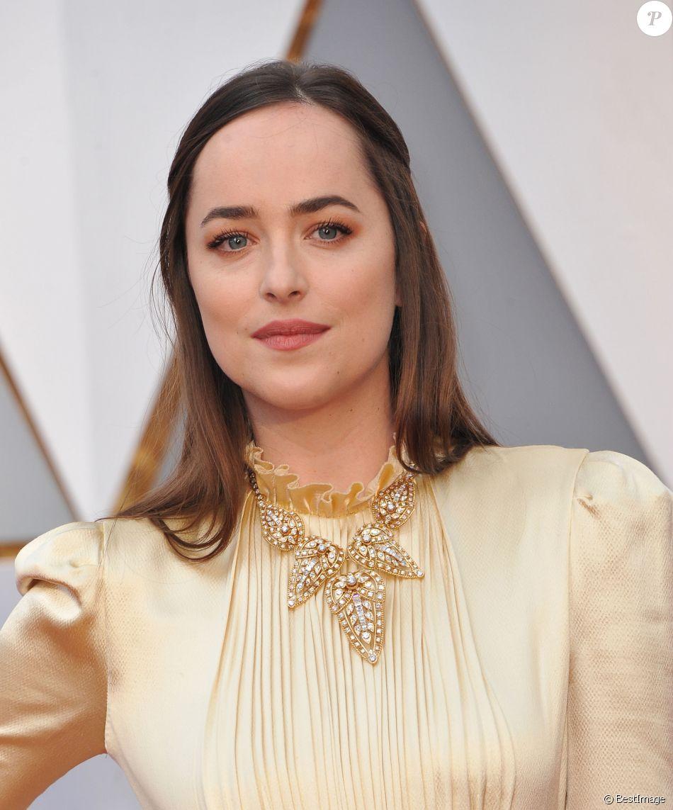 1331ae7d6c1 Dakota Johnson (robe Gucci) à la 89ème cérémonie des Oscars au Hollywood    Highland Center à Hollywood