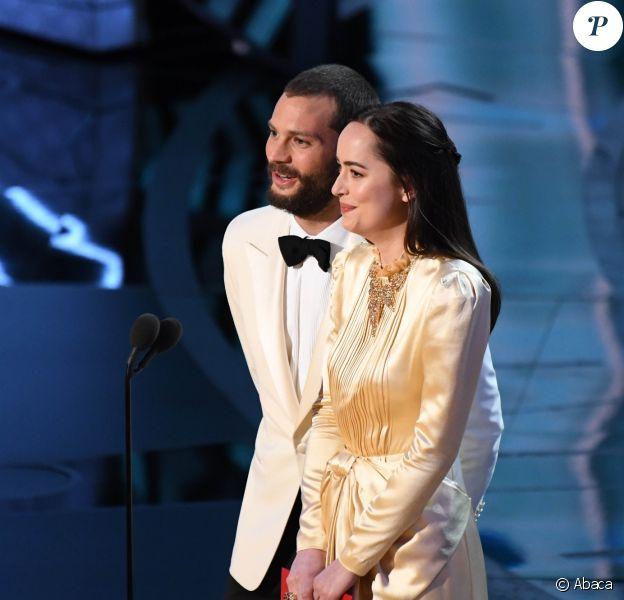 Jamie Dornan et Dakota Johnson remettants aux Oscars 2017