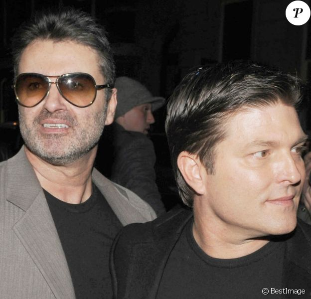 George Michael et Kenny Goss à une exposition de photo à Saville, le 23 avril 2008