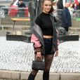 """Charlotte Le Bon arrivant au défilé de mode """"Miu Miu"""", collection prêt-à-porter Automne-Hiver 2017-2018 à Paris, le 7 Mars 2017.© CVS/Veeren/Bestimage"""