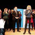 """Emmanuel Macron et sa femme Brigitte Macron (Trogneux) - A l'occasion de la journée internationale des femmes, Emmanuel Macron, candidat du mouvement """"En Marche!"""", à l'élection présidentielle, a cloturé un rassemblement organisé par le collectif """"Elles Marchent"""" au théatre Antoine, à Paris, France, le 8 Mars 2017."""