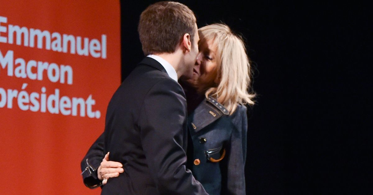 """Résultat de recherche d'images pour """"macron embrasser"""""""