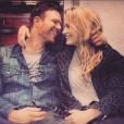 Jim Parrack et Levin Rambin, publication Instagram de l'acteur pour la Saint-Valentin 2017. En mars, Us Weekly annonce que le couple est séparé, après moins de deux ans de mariage.