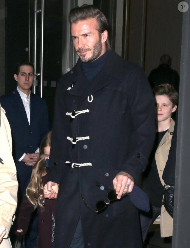 Harper et Cruz - David Beckham en famille avec ses enfants à New York le 12 février 2017.