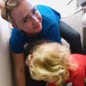 Hayden Panettiere embarrassée : Sa petite Kaya a un accident en plein vol...