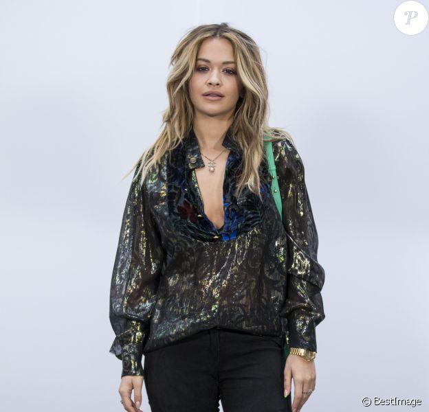 """Rita Ora lors du photocall au défilé de mode """"Chanel"""" collection prêt-à-porter Automne-Hiver 2017/2018 au Grand Palais à Paris, France, le 7 mars 2017. © Olivier Borde/Bestimage"""