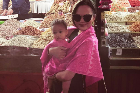 Chrissy Teigen et John Legend : Leur adorable Luna prononce ses premiers mots