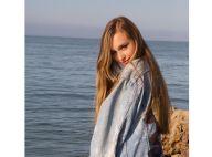 "Emma Smet pose avec son adorable ""jumelle"" Darina, la fille de Sylvie Vartan"
