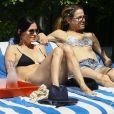 Courteney Cox a profité d'une escapade ensoleillée avec sa fille Coco Arquette et des amies le 31 mars 2017 à Miami.