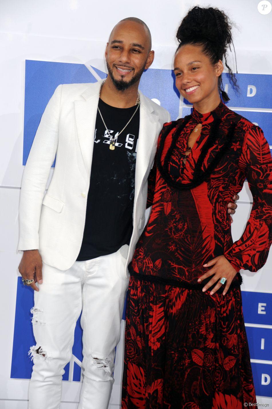 Swizz Beatz et sa femme Alicia Keys à la soirée des MTV Video Music Awards 2016 à Madison Square Garden à New York, le 28 août 2016.